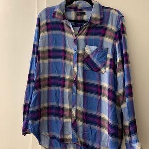 GAP Ombré Plaid long sleeve shirt